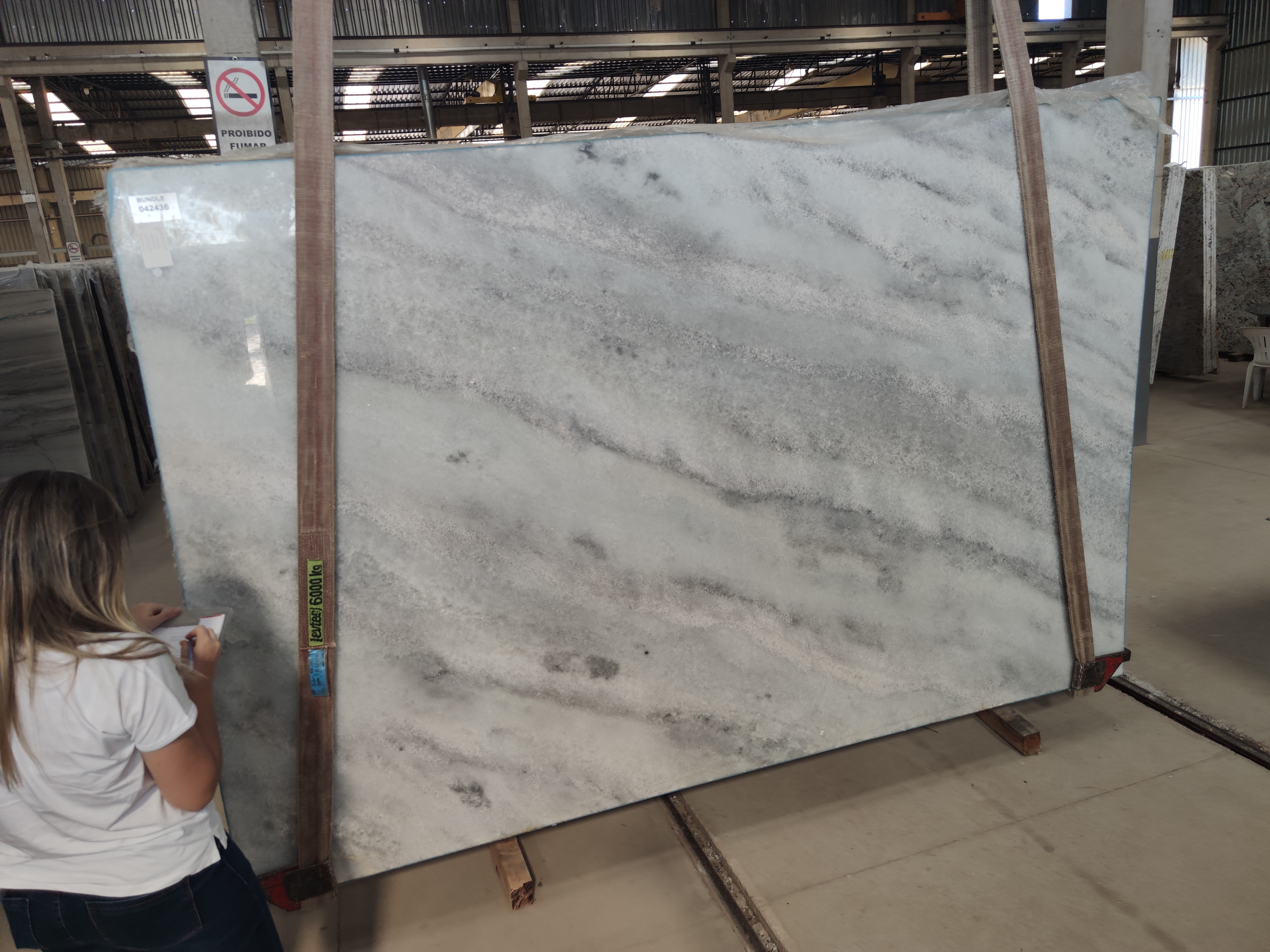 WHITE CLOUD MARBLE POLISHED 3CM